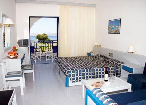 Hotelzimmer mit Mountainbike im Aeolos Beach Hotel