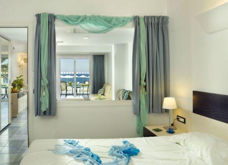 Hotelzimmer mit Volleyball im Atlantica Paradise Village