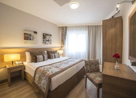 Hotelzimmer mit Tennis im Ramada Resort Lara