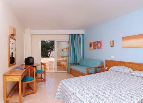Hotelzimmer mit Mountainbike im Invisa Cala Blanca & Cala Verde