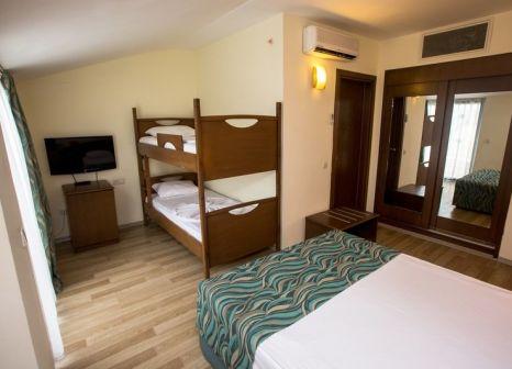 Hotelzimmer mit Mountainbike im Dosi