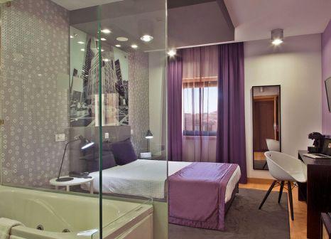 Hotelzimmer mit Mountainbike im American Diamonds