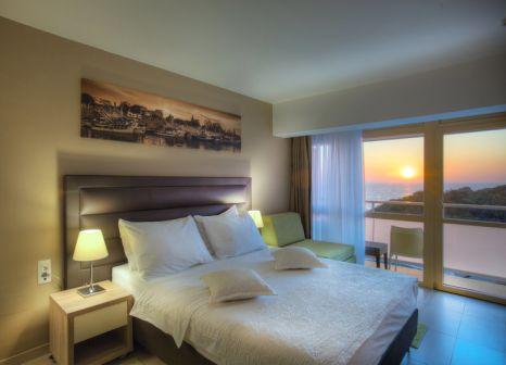 Hotelzimmer mit Mountainbike im Pinija