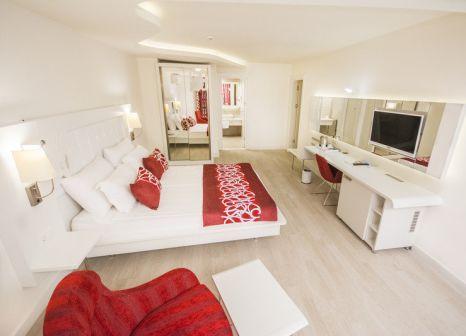 Hotelzimmer mit Volleyball im Laguna Beach Alya Resort & Spa