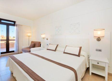 Hotelzimmer mit Mountainbike im Iberostar Isla Canela