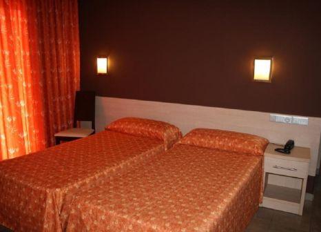Hotelzimmer mit Tischtennis im Tossa Beach Center