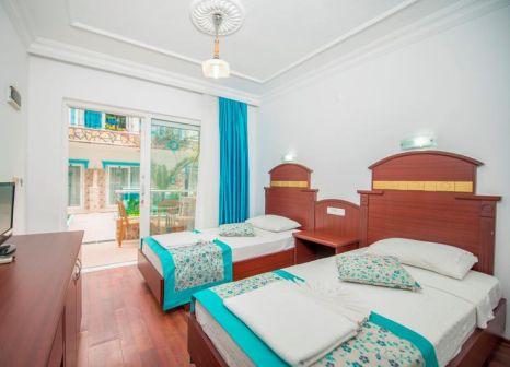 Hotelzimmer mit Mountainbike im Sunberk
