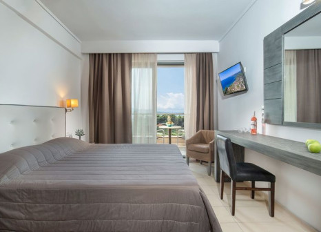 Hotelzimmer mit Tischtennis im Lagomandra Hotel & Spa