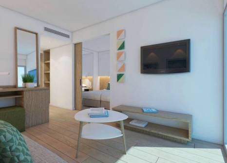 Hotelzimmer mit Mountainbike im JS Portocolom Suites