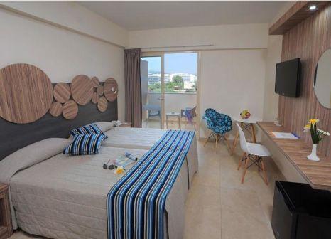 Hotel Nelia Beach in Zypern Süd - Bild von LMX International