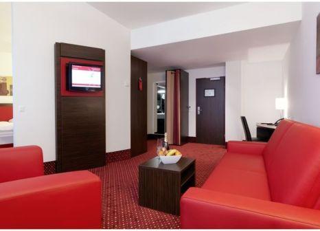 Hotelzimmer mit Hochstuhl im Best Western Plus Amedia Hotel Wien