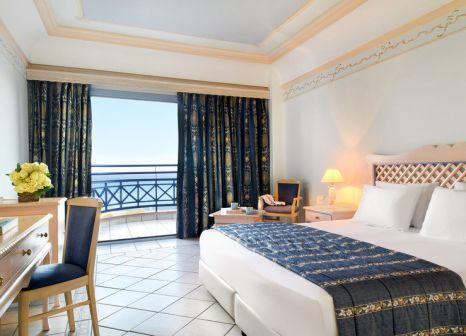 Hotelzimmer mit Yoga im Rodos Village Beach Hotel & Spa