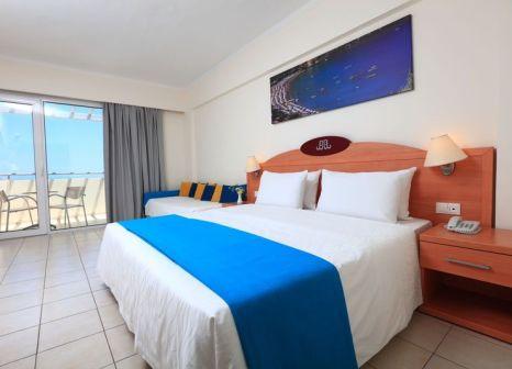 Hotelzimmer mit Mountainbike im Labranda Blue Bay Resort