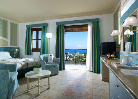 Hotelzimmer mit Volleyball im Aldemar Royal Mare Luxury & Thalasso Resort