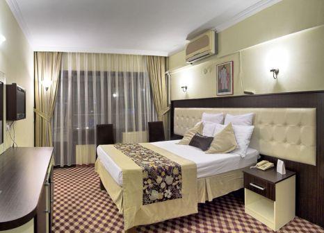 Hotelzimmer mit Tischtennis im Grand Kurdoglu