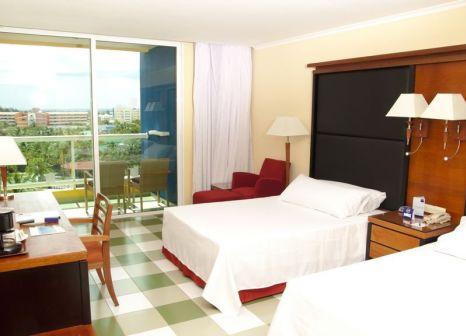 Hotelzimmer mit Mountainbike im Barceló Solymar