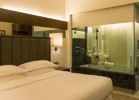 Hotelzimmer mit Golf im Sheraton Dubai Mall of the Emirates Hotel