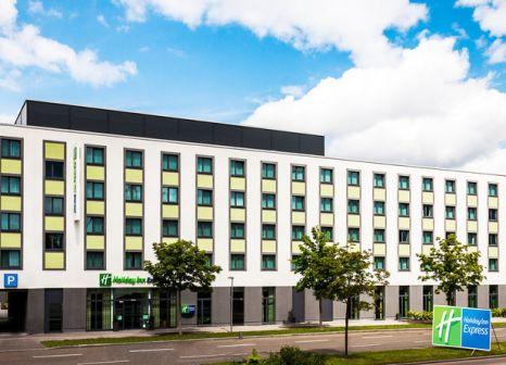 Hotel Holiday Inn Express Augsburg günstig bei weg.de buchen - Bild von LMX Live