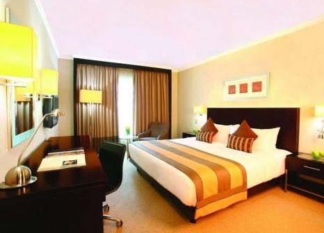 Hotel Ramada Plaza by Wyndham Dubai Deira günstig bei weg.de buchen - Bild von LMX Live