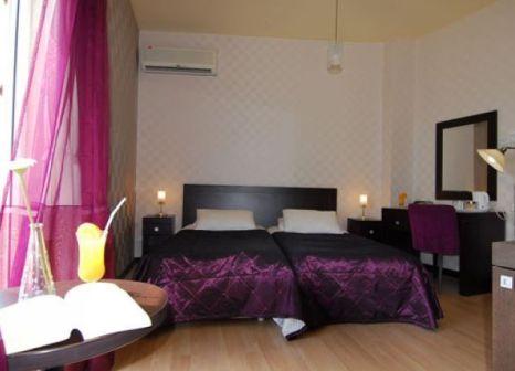 British Hotel in Zypern Nord - Bild von LMX Live