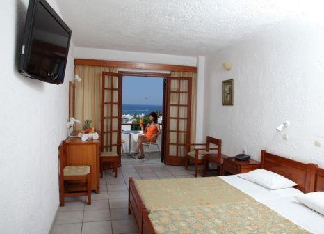 Hotelzimmer mit Tischtennis im Kyknos Beach Hotel & Bungalows
