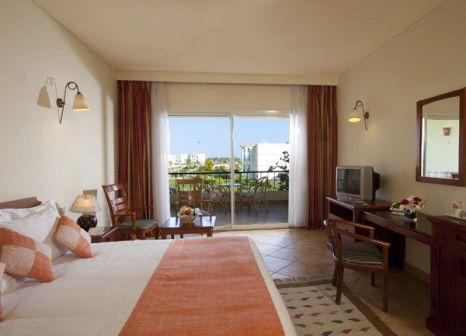 Hotelzimmer mit Volleyball im Harmony Makadi Bay Hotel & Resort