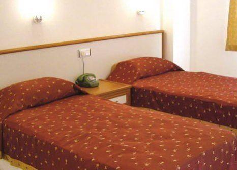Hotelzimmer mit Tischtennis im Hedef Kleopatra Golden Sun