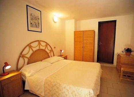 Hotelzimmer mit Tischtennis im Villaggio Baia d'Ercole