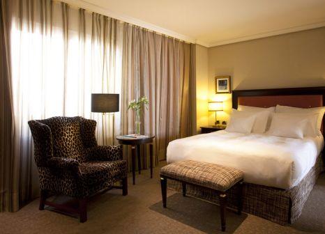 Hotelzimmer mit Minigolf im Hesperia Madrid