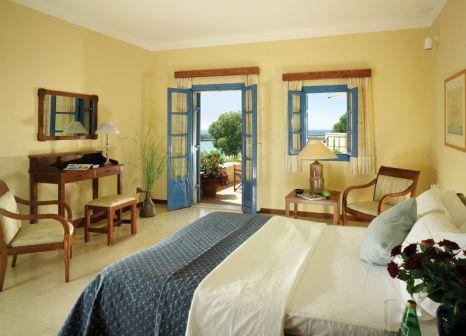 Hotelzimmer mit Yoga im Kalimera Kriti Hotel & Village Resort