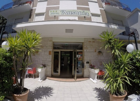 Hotel Ausonia günstig bei weg.de buchen - Bild von LMX Live