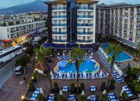 Parador Beach Hotel günstig bei weg.de buchen - Bild von LMX Live