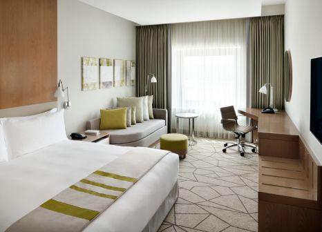 Hotelzimmer mit Mountainbike im Holiday Inn Dubai Festival City