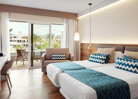 Hotelzimmer mit Volleyball im smartline Playa Park
