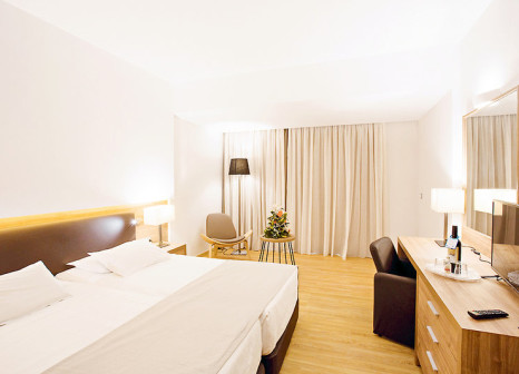 Hotelzimmer mit Volleyball im Calypso Palace