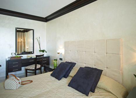 Hotelzimmer mit Volleyball im Mitsis Faliraki Beach Hotel & Spa