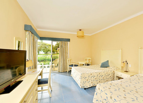 Hotelzimmer mit Mountainbike im Iberostar Tainos