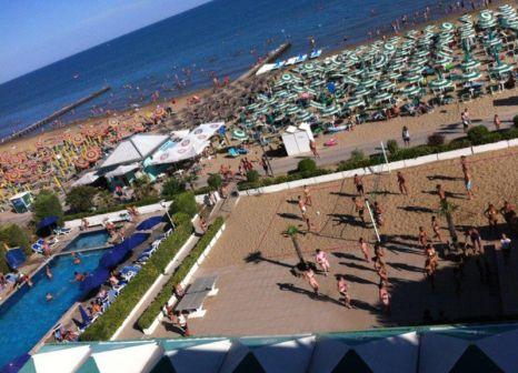 Hotelzimmer mit Tischtennis im Hotel Heron