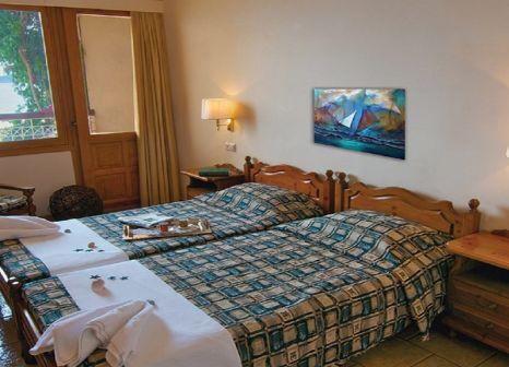 Hotelzimmer mit Paddeln im Esperides Beach Hotel