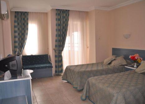 Hotelzimmer mit Tischtennis im Galaxy Beach Hotel