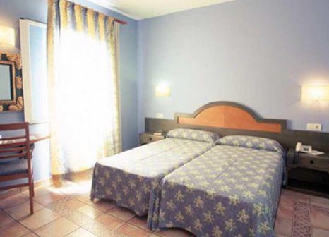 Hotelzimmer mit Mountainbike im Vacances Menorca Blanc Palace