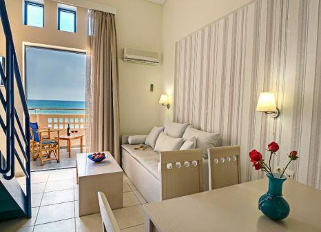 Hotelzimmer mit Volleyball im Esperia Beach Apart & Suites
