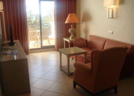 Hotelzimmer mit Mountainbike im allsun Hotel Albatros