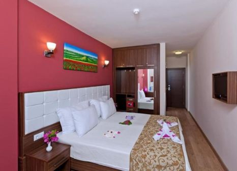 Hotelzimmer mit Tischtennis im Tema Lara Hotel