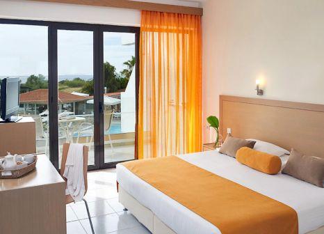 Hotelzimmer mit Minigolf im Atlantica Thalassa Hotel