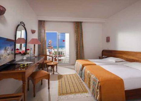 Hotelzimmer mit Volleyball im Checkin Djerba Bakour Beach