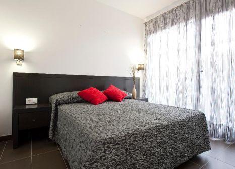 Hotelzimmer mit Mountainbike im SENTIDO Migjorn Ibiza Suites & Spa