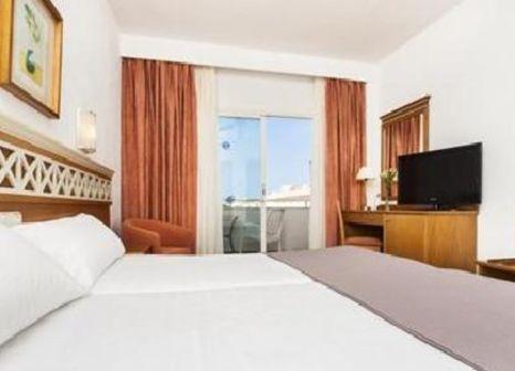 Hotelzimmer mit Mountainbike im Globales Santa Ponsa Park