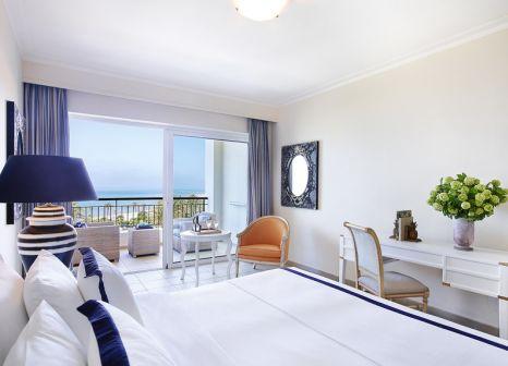 Hotelzimmer mit Volleyball im Grecotel La Riviera & Aqua Park