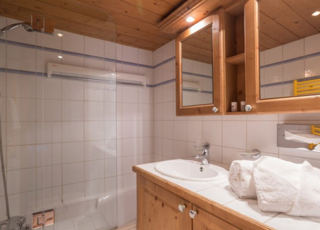 Hotelzimmer mit Tennis im Premium residence La Ginabelle